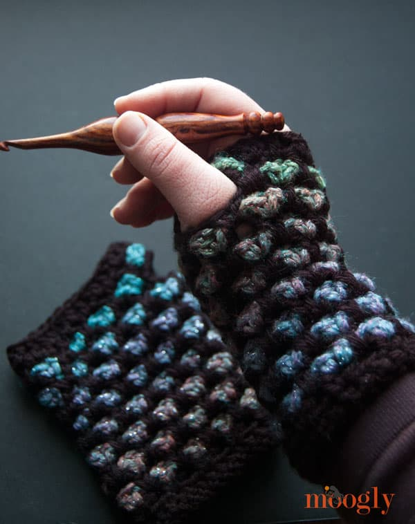 Free Crochet Pattern: Moroccan Midnight Mitts