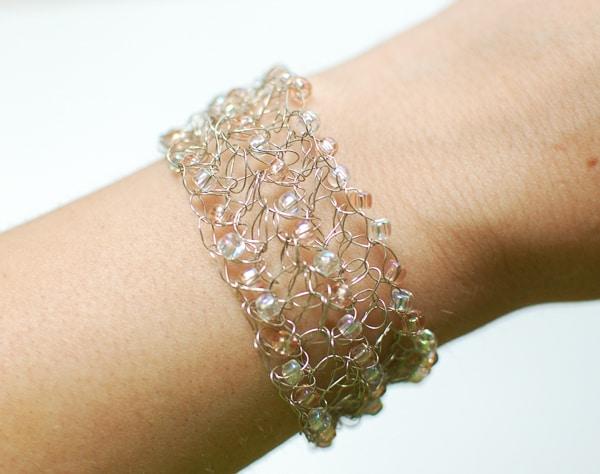 Free Crochet Pattern: Beaded Wire Bracelet