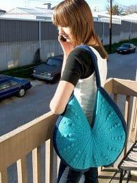 CrochetKim Free Crochet Pattern   Crescent Bag @crochetkim