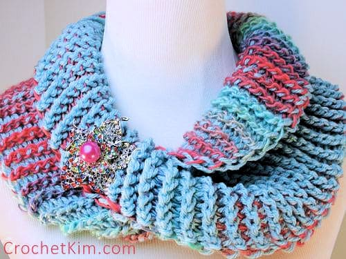Dueling Colors Cowl Free Cro-Hook Tunisian Crochet Pattern