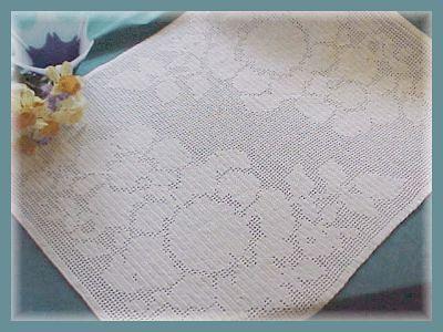 CrochetKim Free Crochet Pattern | Elegant Floral Filet Table Scarf @crochetkim
