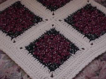 CrochetKim Free Crochet Pattern   Sparkling Poinsettias Afghan