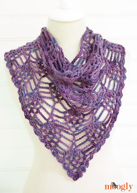 Free Crochet Pattern: Berry Harvest Bandana Cowl