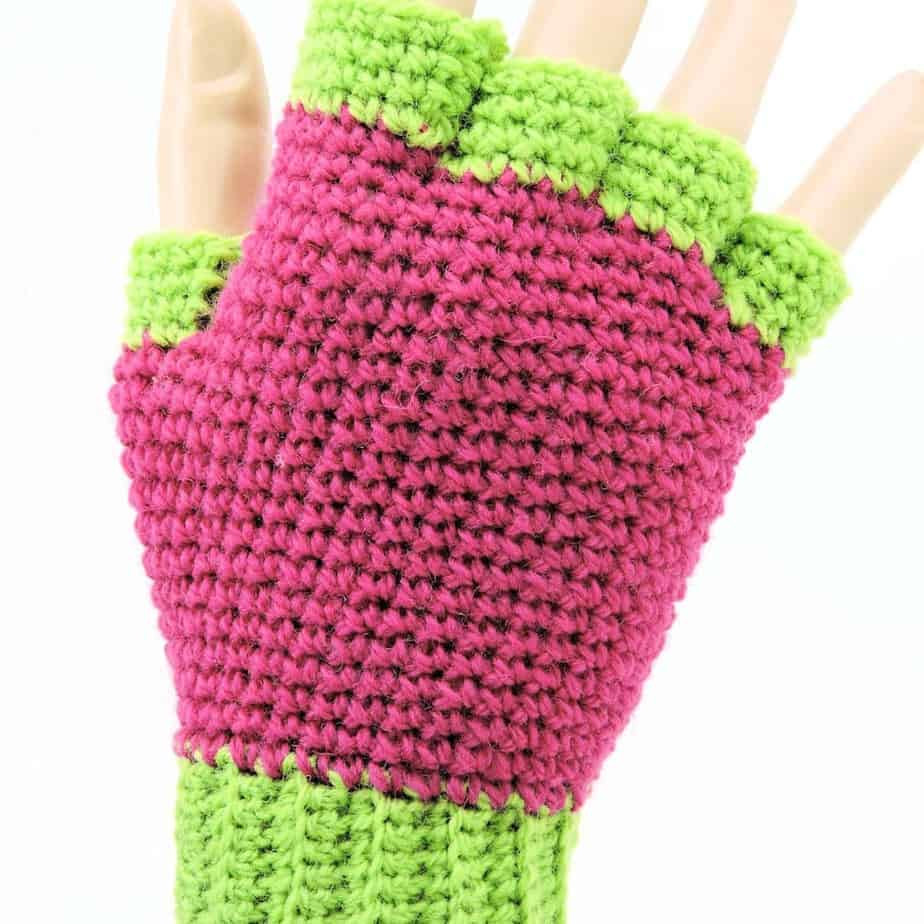 CrochetKim Free Crochet Pattern | Jersey Mitts Fingerless Mitts Gloves