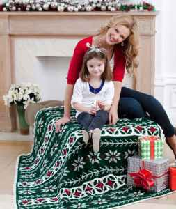 Free Crochet Pattern: Poinsettia Throw