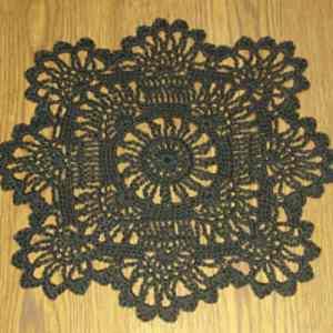 Free Crochet Pattern: Sun Flower Doily