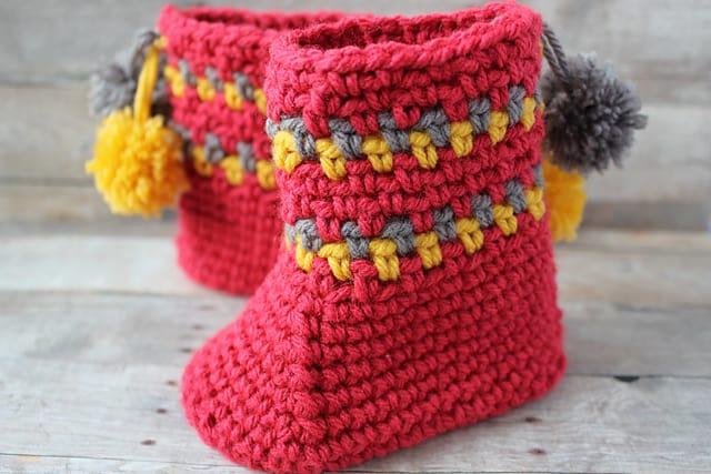 Pom Pom Slipper Boots Free Crochet Pattern Crochetkim