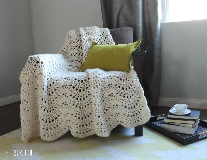 Chunky Feather And Fan Throw Free Crochet Pattern Crochetkim