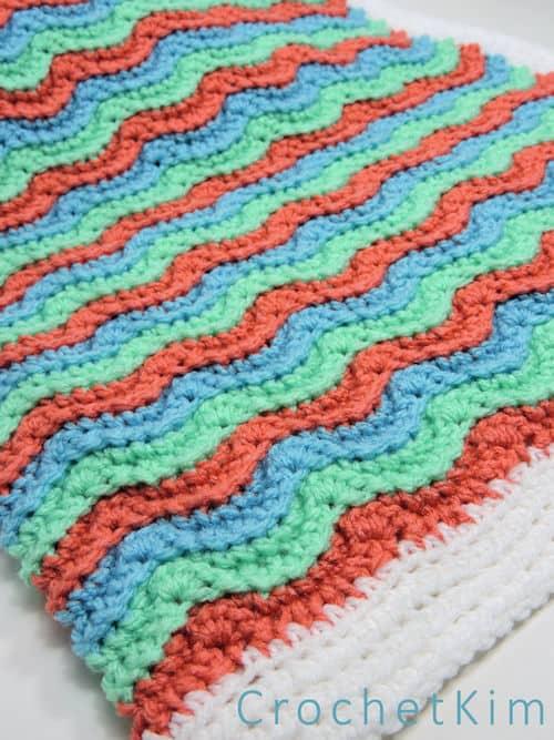CrochetKim: Wavy Hugs Baby Blanket Free Crochet Pattern