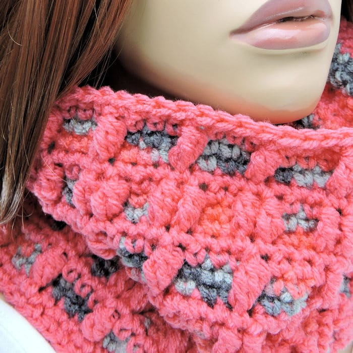 CrochetKim Free Crochet Pattern | Bundle of Bobbles Cowl