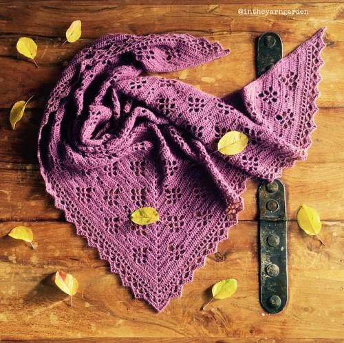 Free Crochet Pattern: Mulberry Wine Shawl