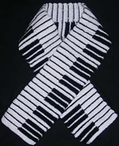 Free Crochet Pattern: Piano Scarf