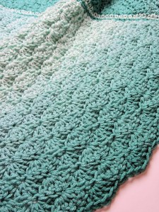Link Blast: 10 Free Crochet Patterns for No Holes Baby Blankets