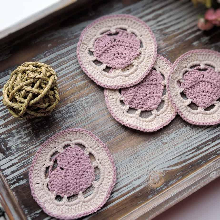 Belle Heart Coaster | CrochetKim Free Crochet Pattern