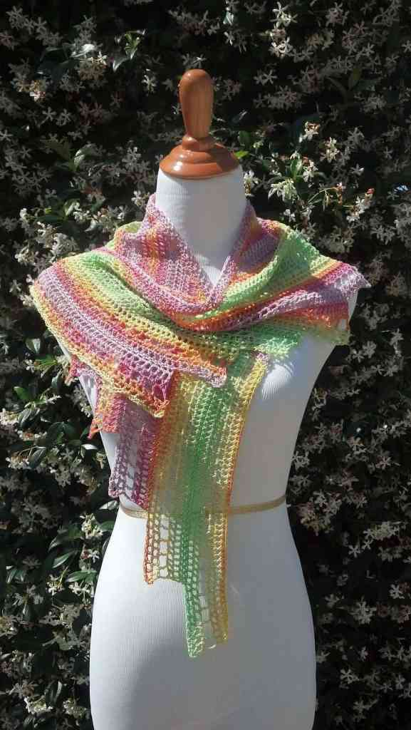 Link Blast: 10 Free Crochet Patterns for Dragon Wing Shawls