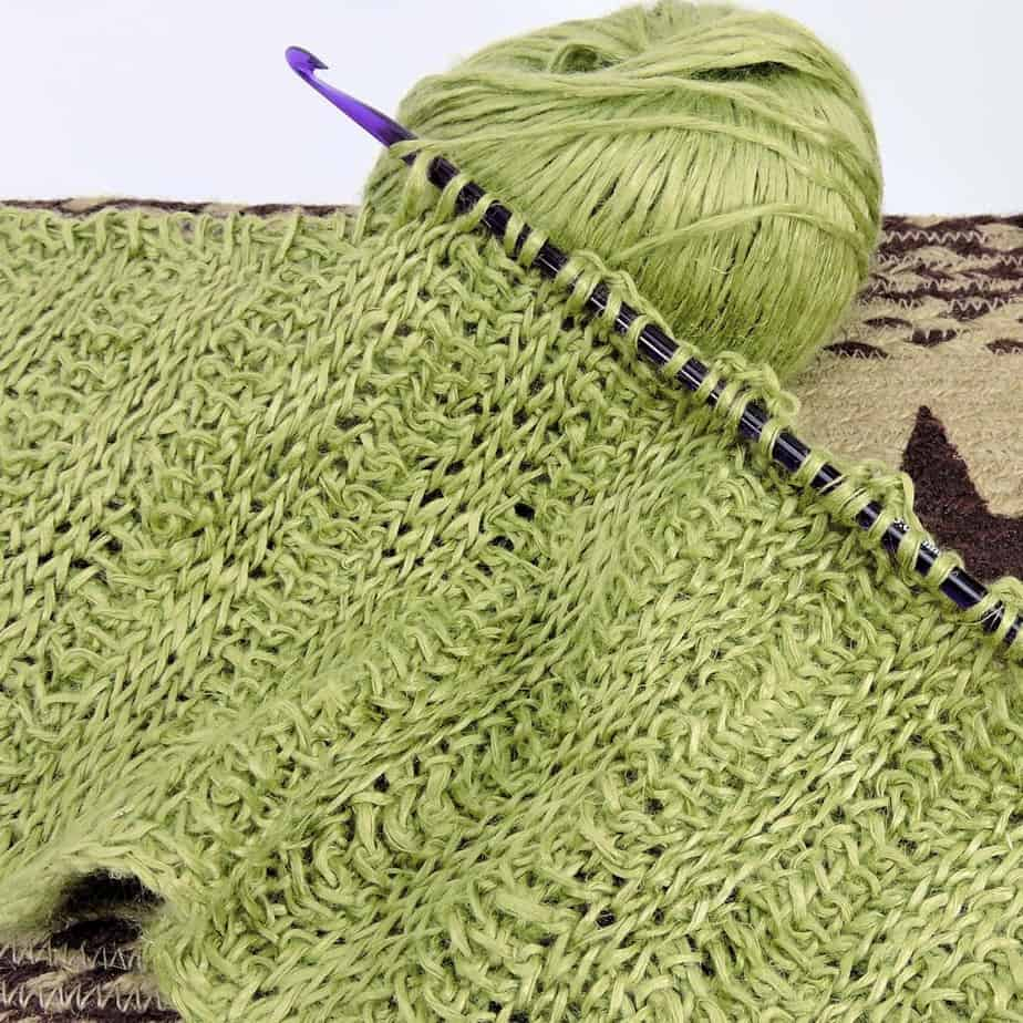 Guide to Getting Started with Your Tunisian Crochet Hook