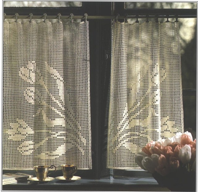 Crochet Curtain Patterns Loop Door Curtain Free Crochet Pattern Allfreecrochet Purses