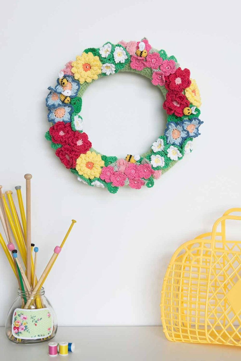 Simple Crochet Rose Pattern 40 Crochet Flower Patterns And What To Do With Them Mollie Makes