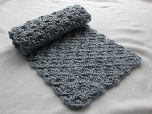 Simple Crochet Scarf Patterns One Of The Simple Patterns Crochet Scarf Patterns Thefashiontamer