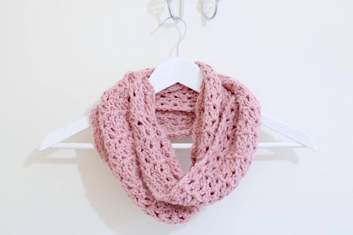 Snood Scarf Crochet Pattern Easy Infinity Scarf Tutorial Crochet Bella Coco Sarah Jayne