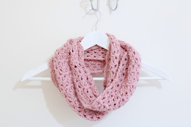 Snood Scarf Crochet Pattern Easy Infinity Scarf Tutorial Crochet Bella Coco Sarah Jayne