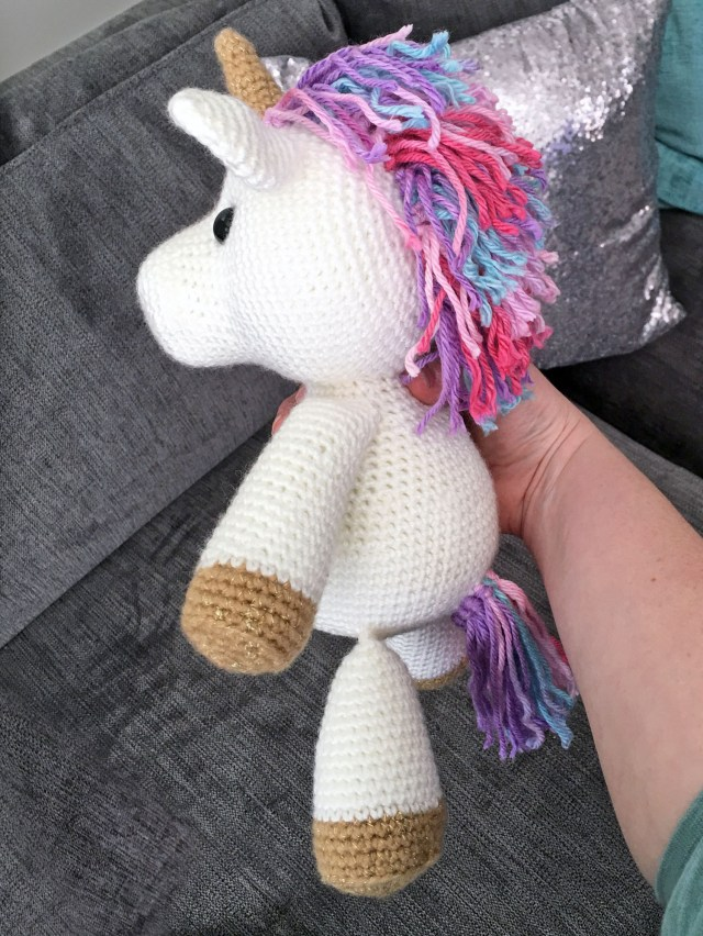 Shy unicorn amigurumi pattern - Amigurumi Today | 852x640