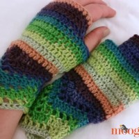 Chevron Lace Fingerless Mitts ~ Moogly