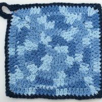 Giant Circle Potholder by Marie Segares/Underground Crafter
