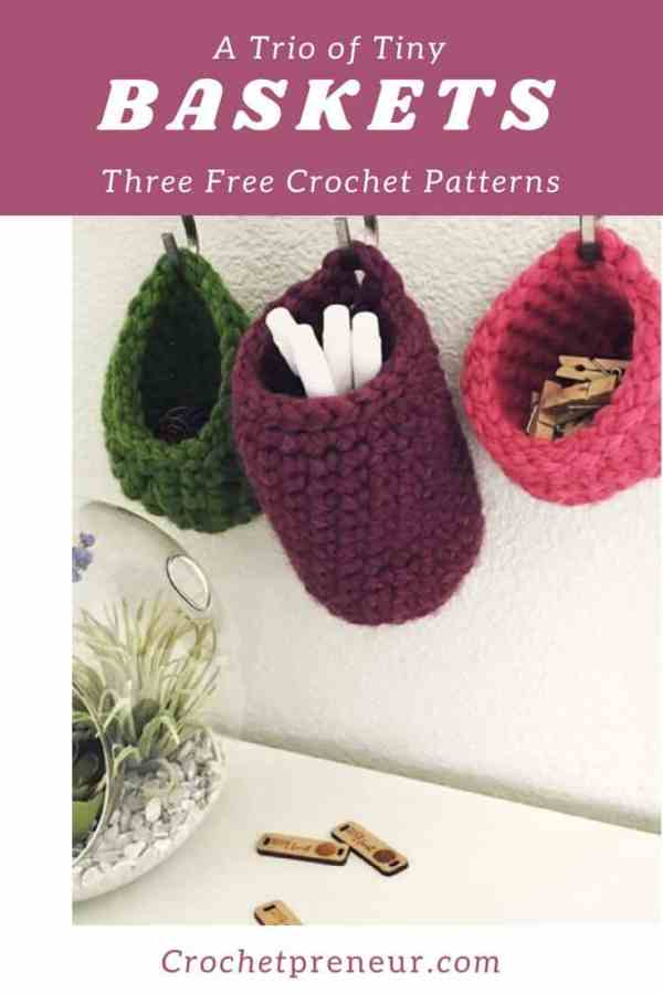 These baskets are perfect for my desk! I use them for everything and the pattern is free! #freecrochetpattern #crochetbasket #crochetbasketpattern #freebasketpattern #hangingbasketcrochetpattern