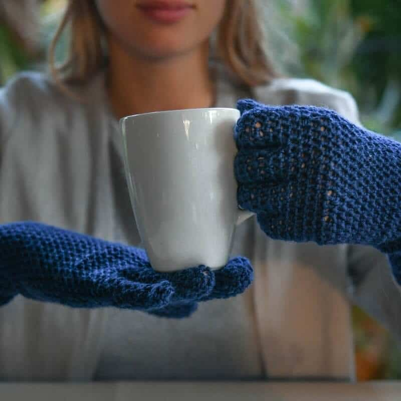 Finally! I've been searching and searching for the perfect, simple gloves crochet pattern and this is it and it's free! I'm so excited to make these to keep my fingers just warm enough in the car...and I'll make the fingerless version for when I'm working. #renauds #coldfingers #realgloves #glovescrochetpattern #crochetpatternforgloves #gloveswithfingers #lightweightglovespattern #sockweightyarn #sockyarn #patternswithsockyarn #freecrochetpattern #30daysofcozy #revedesignco
