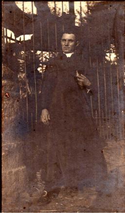 Arciprete Don Matteo Brunetti — presso Villa Frascati.