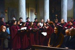Lassus Scholars. The musical programme, sung by Lassus Scholars, included Palestrina: Missa Papae Marcelli; Palestrina: Missa Tu es Petrus; Victoria: Missa Vidi speciosam; Lassus: Missa Amor ecco colei; numerous motets and Gregorian Chant Propers. The musical programme, sung by Lassus Scholars, included Palestrina: Missa Papae Marcelli; Palestrina: Missa Tu es Petrus; Victoria: Missa Vidi speciosam; Lassus: Missa Amor ecco colei; numerous motets and Gregorian Chant Propers. Foto: newmanparish.org
