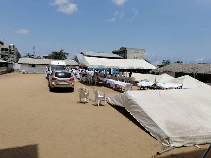 (Côte d'Ivoire Violation des mesures barrières) une église Harris tient un culte,  selon la police