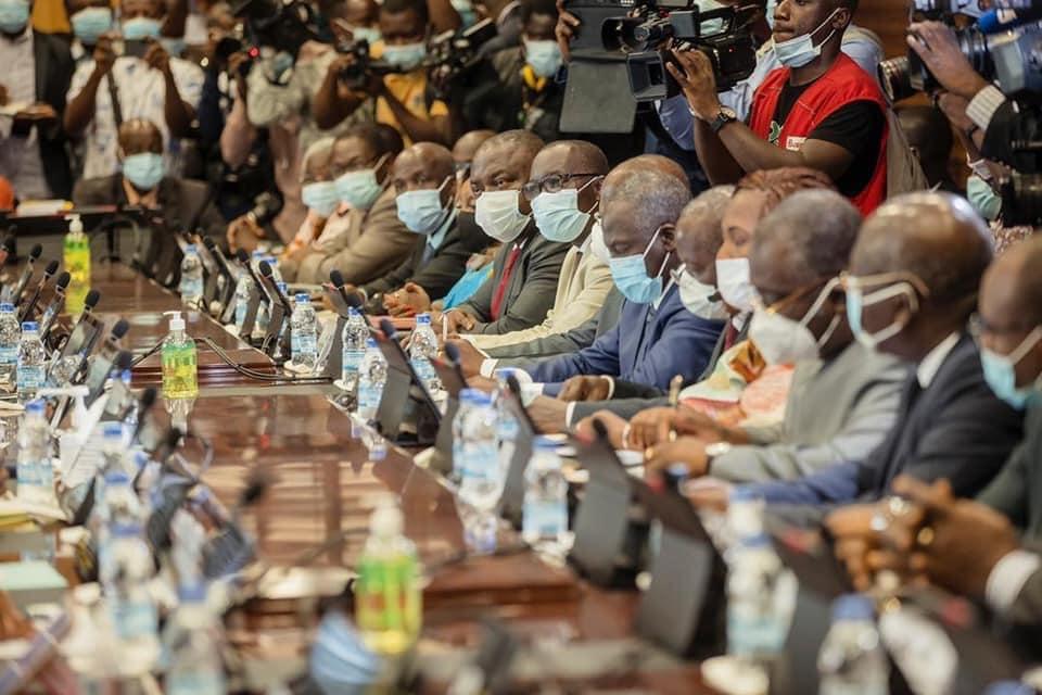 Décrispation de l'horizon politique ivoirien : vers la fumée blanche ? (Par Fernand Dédeh)