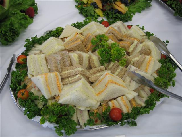 Top 10 Inexpensive Wedding Reception Food Ideas