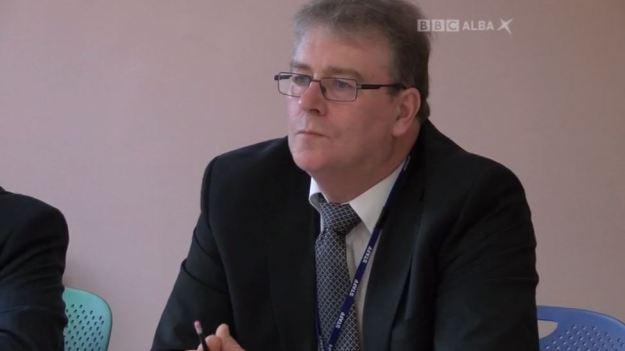 BBC Alba - Commission Chaos - 141216 - Colin Kennedy, Convener