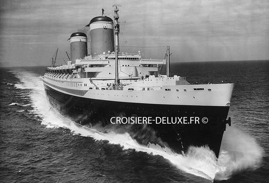 SS United States avant sa transformation en bateau de luxe