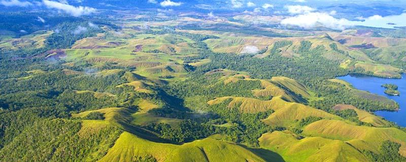 Vue aérienne de la Papouasie en Nouvelle-Guinée