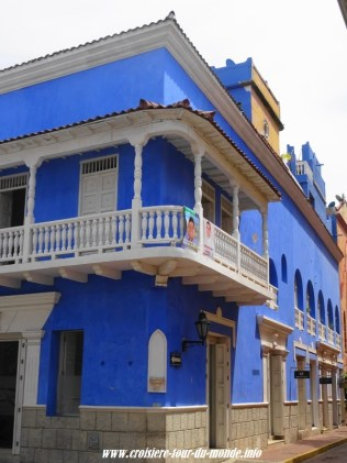 Escale à Cartagena en Colombie des maisons trés colorées