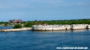 Escale à Cartagena en Colombie le Costa Luminosa longe les Fortifications