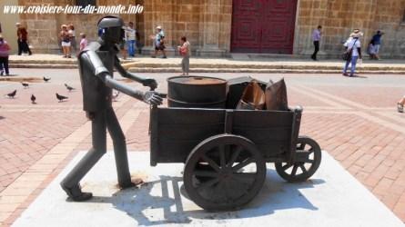 Escale à Cartagena en Colombie statue au San Pedro de Claver