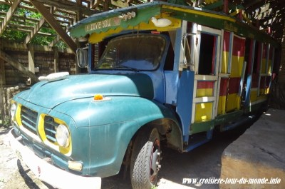 un bus de Sainte Lucie