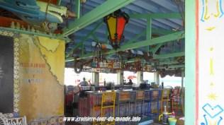 Escale à Oranjestad Aruba des café trés colorés
