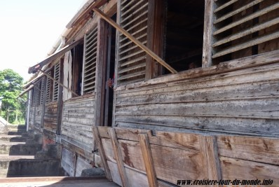 Escale à St Georges île de la Grenade séchage des fève de cacao