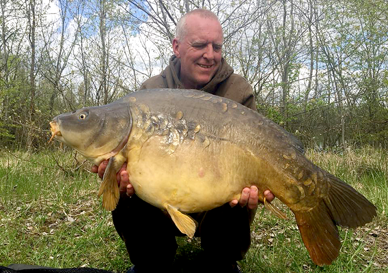 Mel with an cracking upper 30 mirror