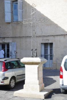 Lézignan-la-Cèbe - Croix de Mission - Place de la Croix de Mission (3)