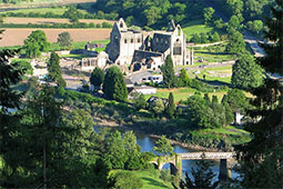 Image from https://commons.wikimedia.org/wiki/File:Tintern_Abbey_from_the_North_West_-_geograph.org.uk_-_1331287.jpg