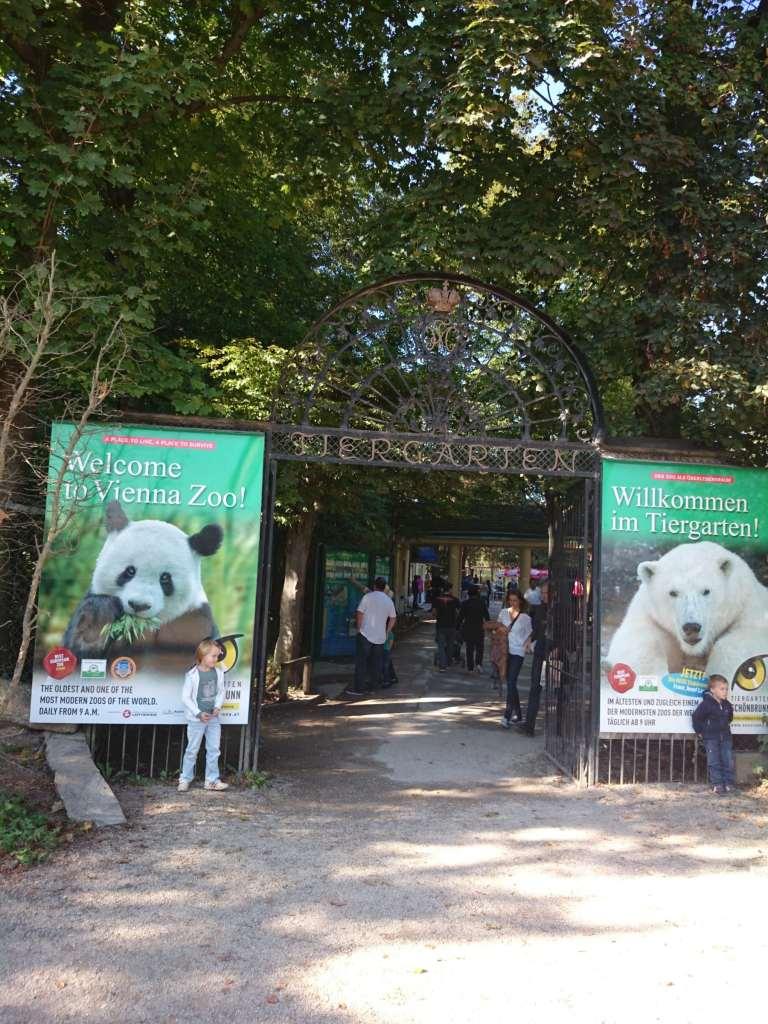 Zoo más antiguo del mundo. Palacio Schönbrunn en Viena.