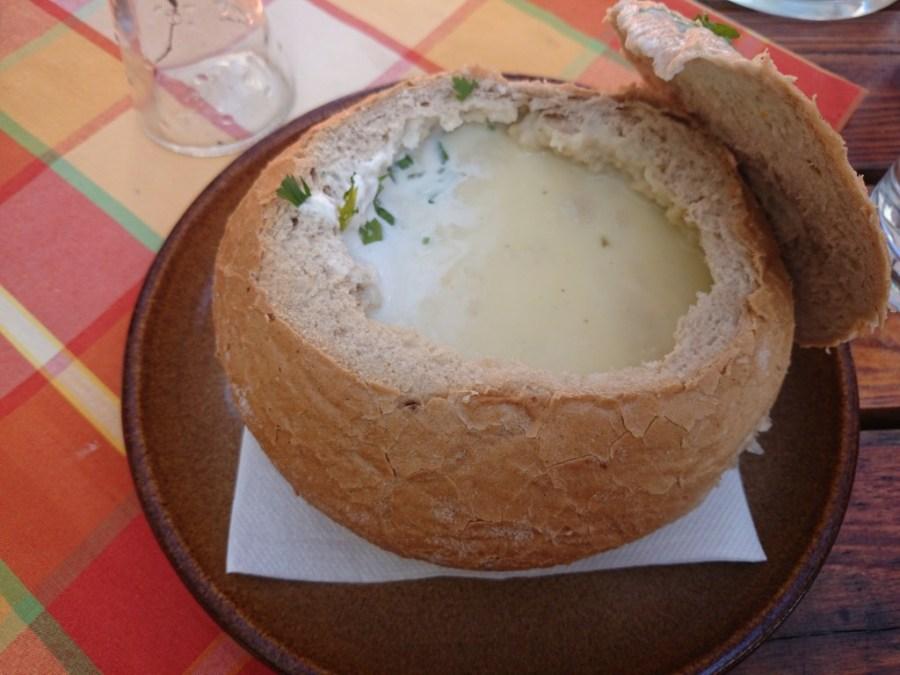 Sopa típica eslovaca. Bratislava.