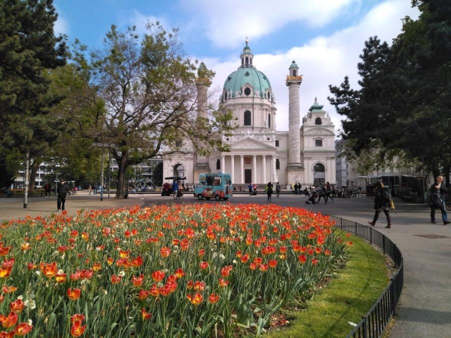 Iglesia de San Carlos Borromeo de Viena. (Karlskirche )